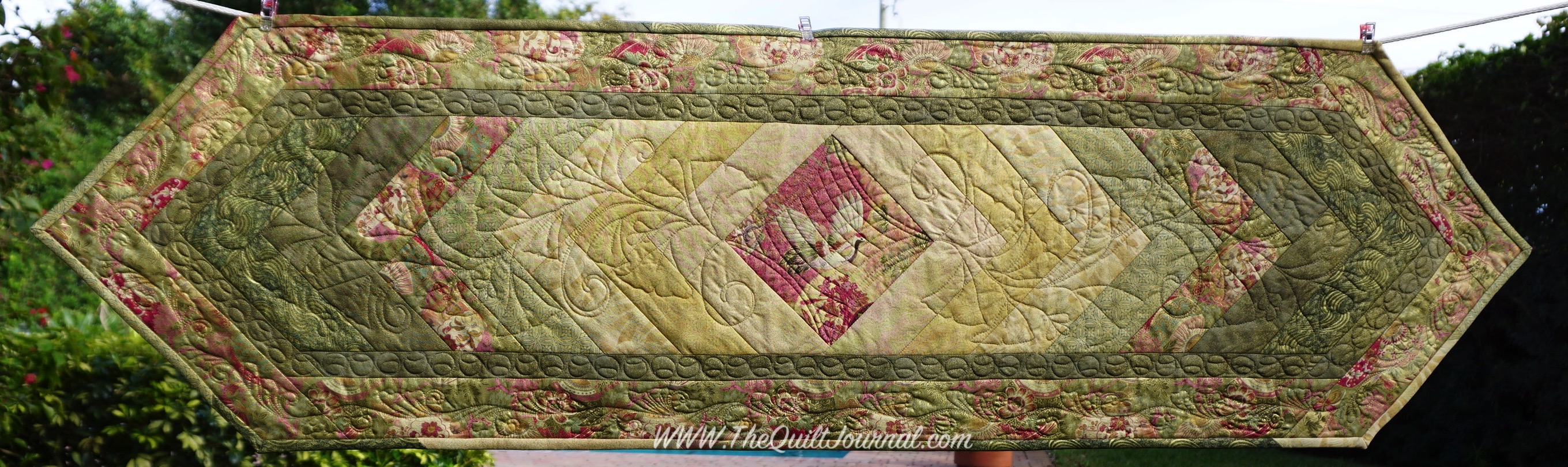 Quilt As You Go Or Free Motion Quilt Table Runner The Quilt Journal