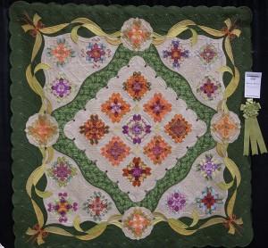 Margaret Solomon Gunn Bouquet Royale Placed Best Longarm